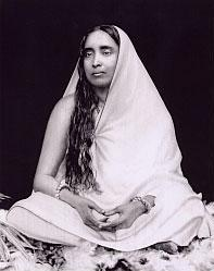 שרימאטי סאראדה דווי (1920 - 1853)